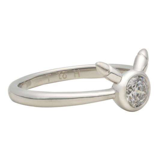 Pikachu-Ring-530x500 ¡Este nuevo anillo Pikachu de diamantes te hará sentir bien!  -No puedes ver esto ...