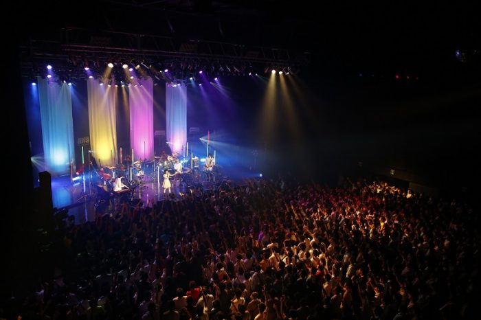 fhana-what-a-maravilloso-mundo-line-live-main-700x466 reseña del concierto de fhána: ¡nos embarcamos en un viaje por el maravilloso mundo de fhána!