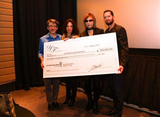 yoshiki-capture-560x410 YOSHIKI donó US $ 100,000.00 a través de MusiCares para ayudar a las víctimas desplazadas del huracán
